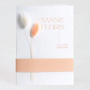 minimalistische-trouwkaart-met-bandje-zonder-droogbloemen-TA0110-2100001-03-1