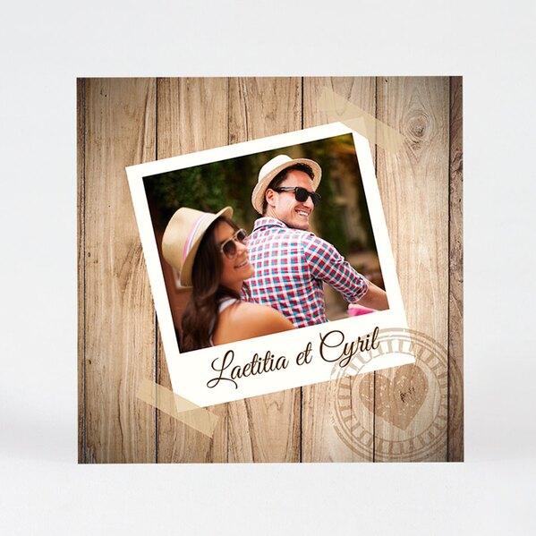 speelse-huwelijkskaart-met-houtmotief-en-foto-TA01100-1300125-03-1