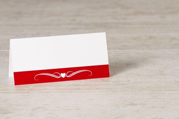 wit-tafelkaartje-met-rode-band-hartje-en-krul-TA0122-1500004-03-1