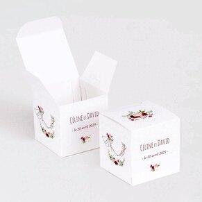 boite-a-dragees-mariage-amoureux-et-couronne-fleurie-TA0175-1900016-02-1
