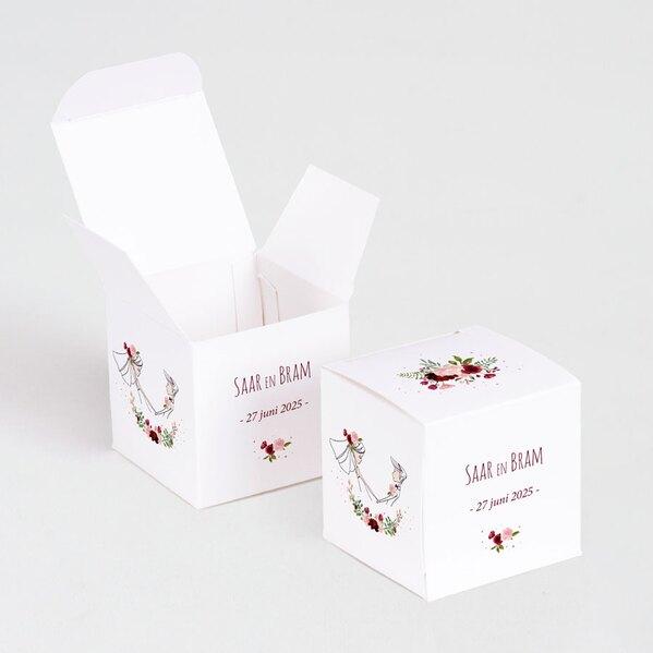 kubusdoosje-bruidspaar-en-bloemenkrans-TA0175-1900016-03-1