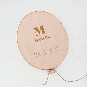 houten-ballonvormige-decoratie-met-naam-gelaserd-TA05811-2100004-03-1