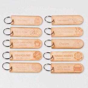set-van-10-houten-sleutelhangers-TA11937-1900001-03-1
