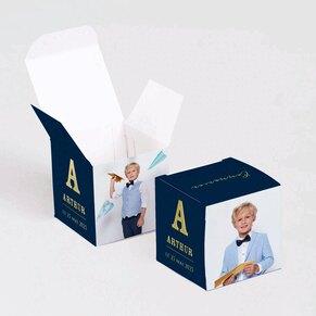 contenant-a-dragees-communion-cube-initiale-en-dorure-et-photo-TA1223-2000009-02-1
