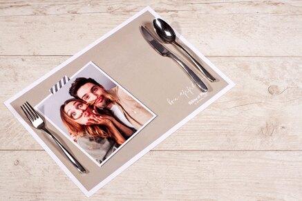 set-de-table-anniversaire-uni-et-polaroid-TA13906-1800005-02-1