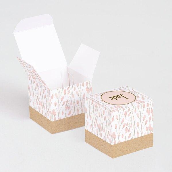 doopsuiker-kubusdoosje-roze-bloemknopjes-voor-doopsuiker-TA1575-1800027-03-1
