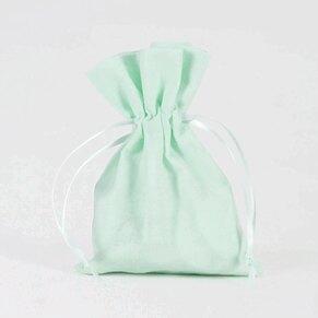 trouwbedankje-stoffen-zakje-muntgroen-TA191-102-03-1