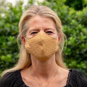 stoffen-mondmasker-camel-met-gouden-kubusjes-TA290-020-03-1