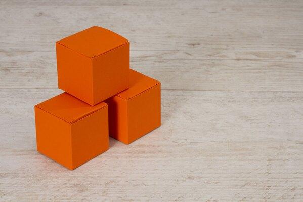 blanco-oranje-kubus-met-plat-deksel-voor-doopsuiker-TA719-005-03-1