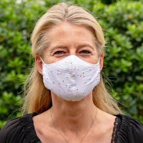 masque-en-tissu-adulte-blanc-et-pois-dores-reveillon-TA990-016-02-1